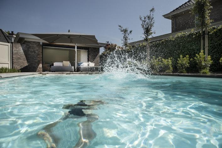Bvr Rico Pool 074 S