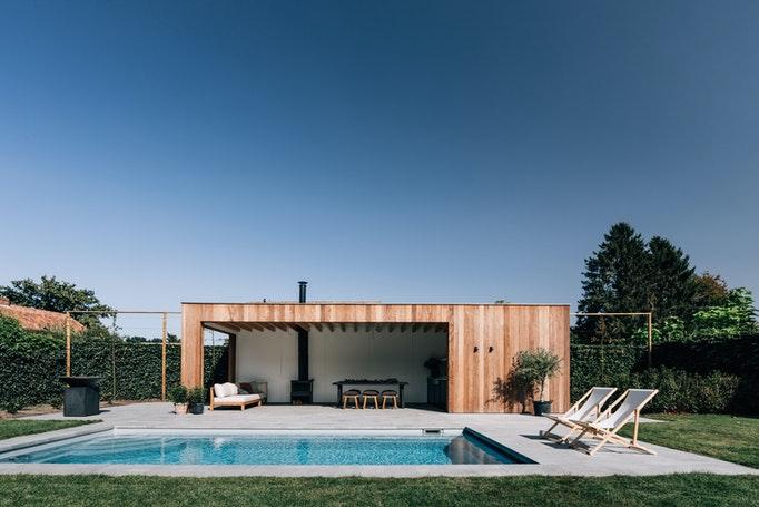 Location swimming pool garden