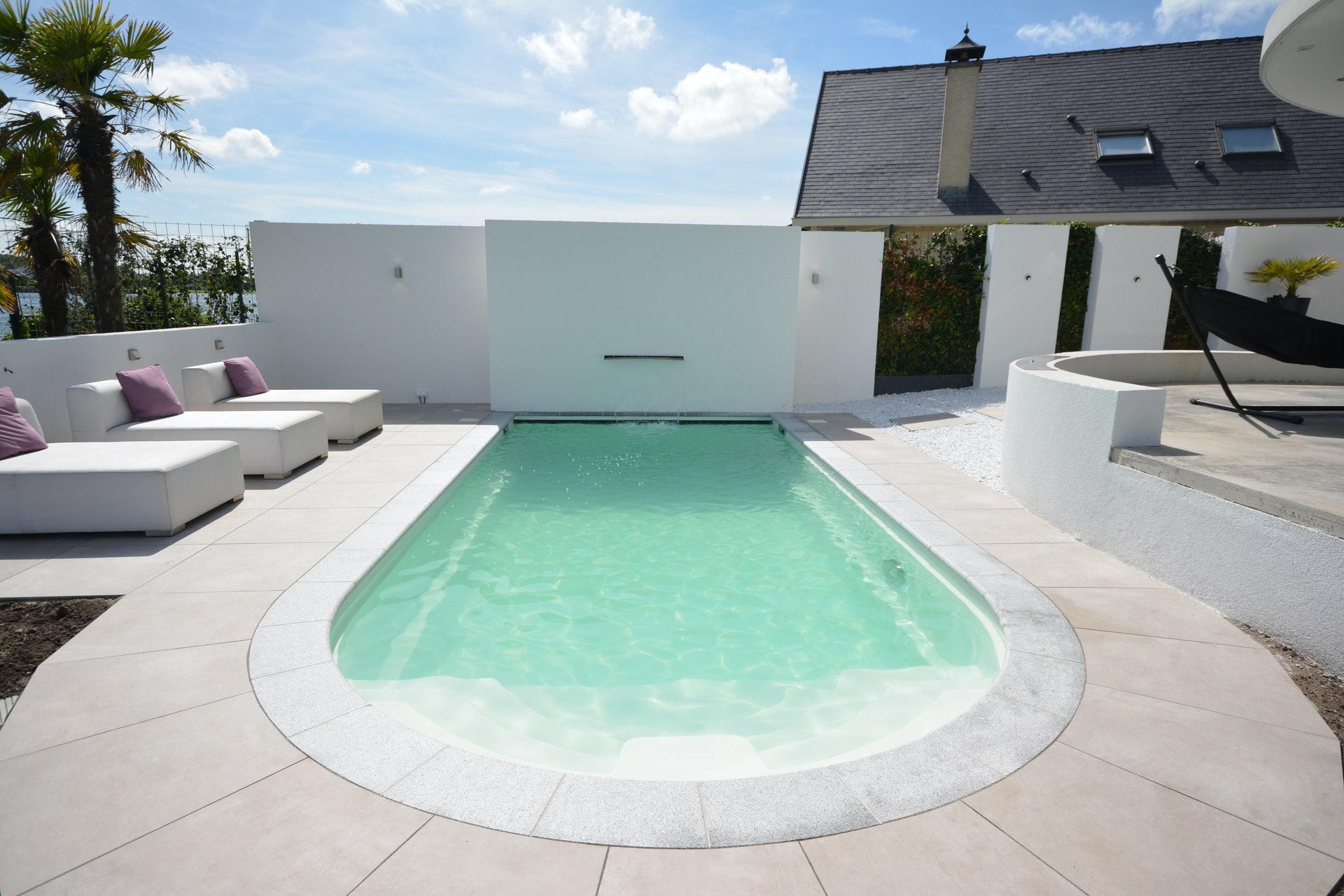 inbouw-zwembad-kleine-tuin