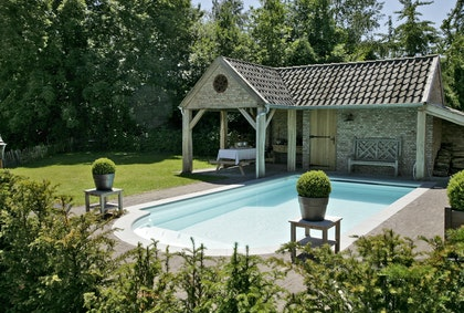Landelijk poolhouse