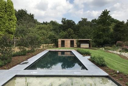 tuinhuis met zwembad