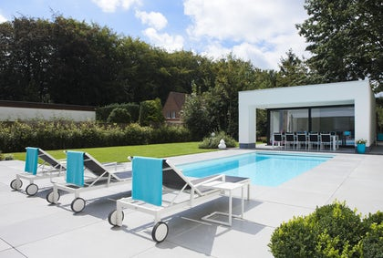 Poolhouse in tuin
