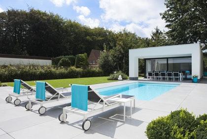 Poolhouse in tuin